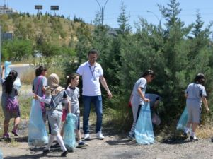 Students from Four SABIS® Network Schools Make Environment Cleaner, Greener